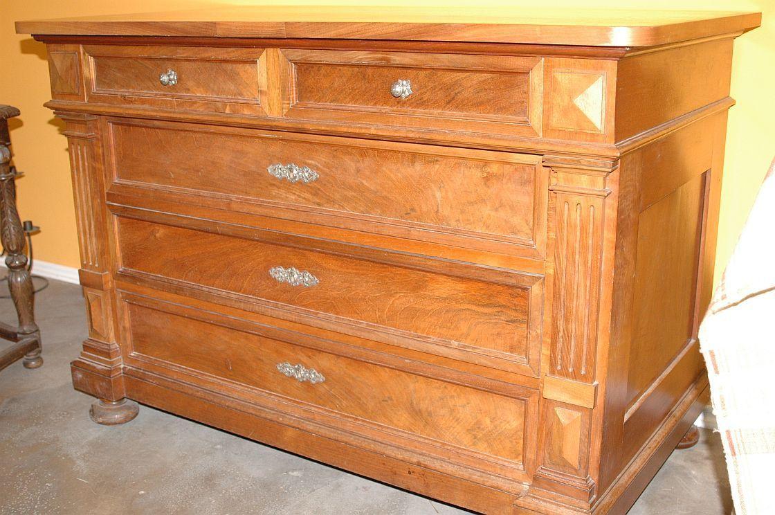 gr nderzeit kommode mit 5 schubladen nussbaum 1880 uhrengalerie shop. Black Bedroom Furniture Sets. Home Design Ideas